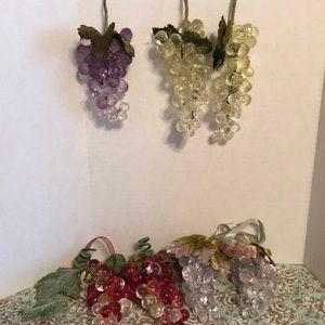 Seven vintage grapes